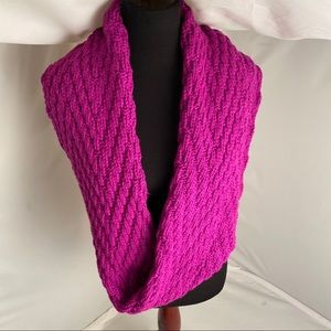Gap magenta cable knit infinity scarf